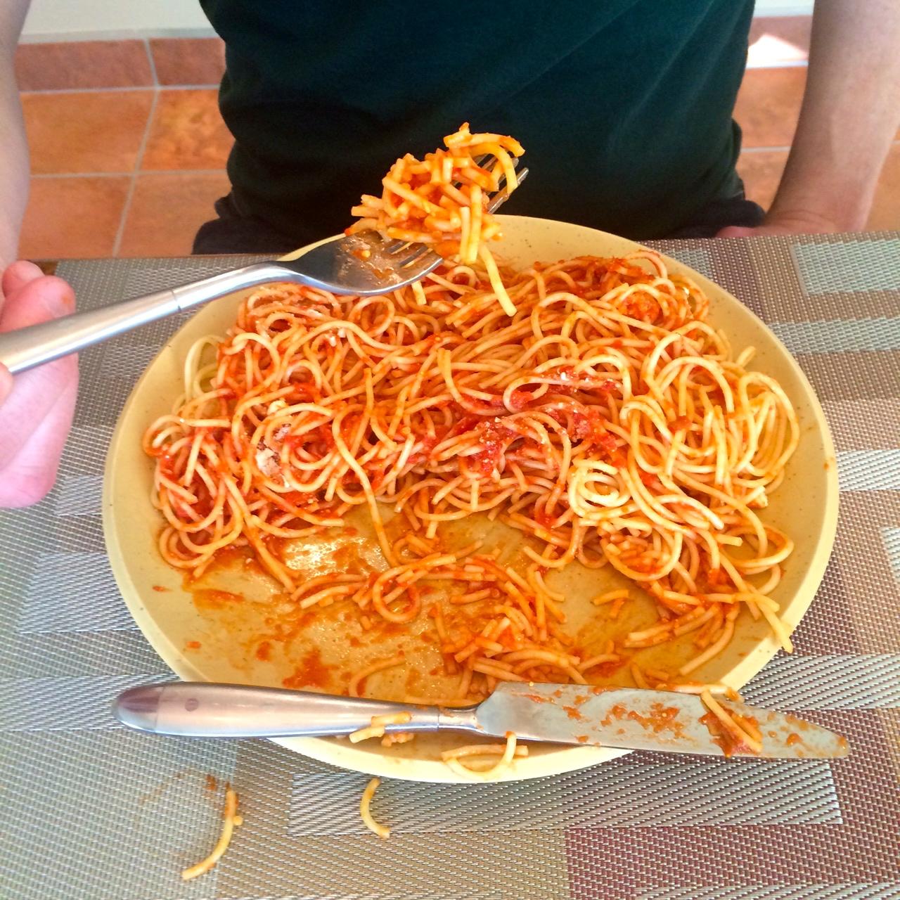 Cutting your spaghetti